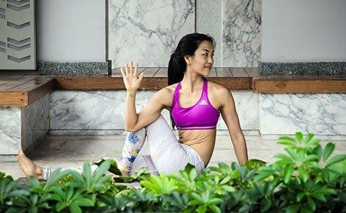 Healthy_Living_By_Bud_Yoga_Pose_Bangkok